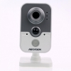 IP камера Hikvision DS-2CD2410F-IW